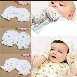 3 PAIR Infant Cotton Mittens Gloves & Keepsake Box
